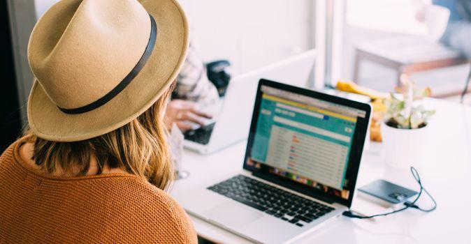 como procurar emprego pela internet